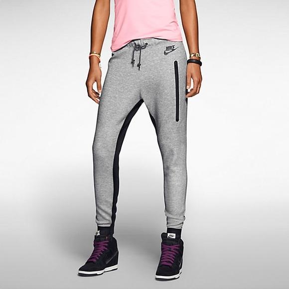 Nike sportswear tech fleece pants womens small s